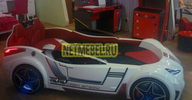 кровать в виде гоночной машины