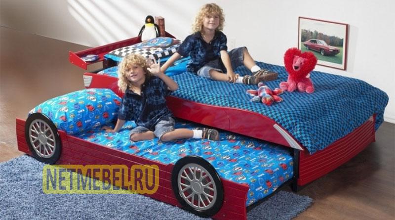 детская кровать-трансформер в виде машины